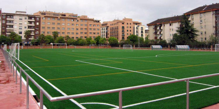 Campo de fútbol del Colegio Salesianos Ramón Izquierdo de Badajoz, también equipado con césped Mondo.