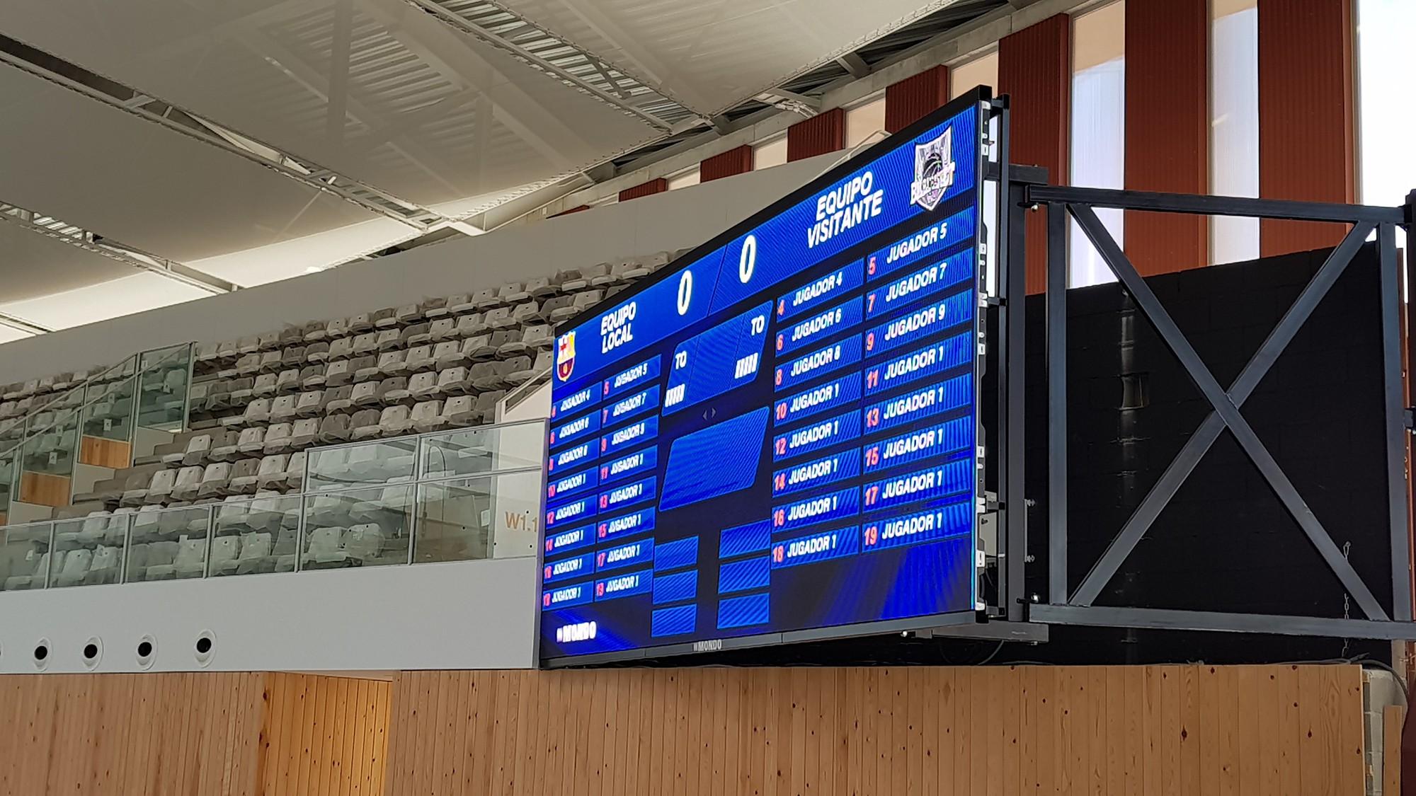 Detalle de una de las pantallas de Campclar y del soporte que permite regular su angularidad.
