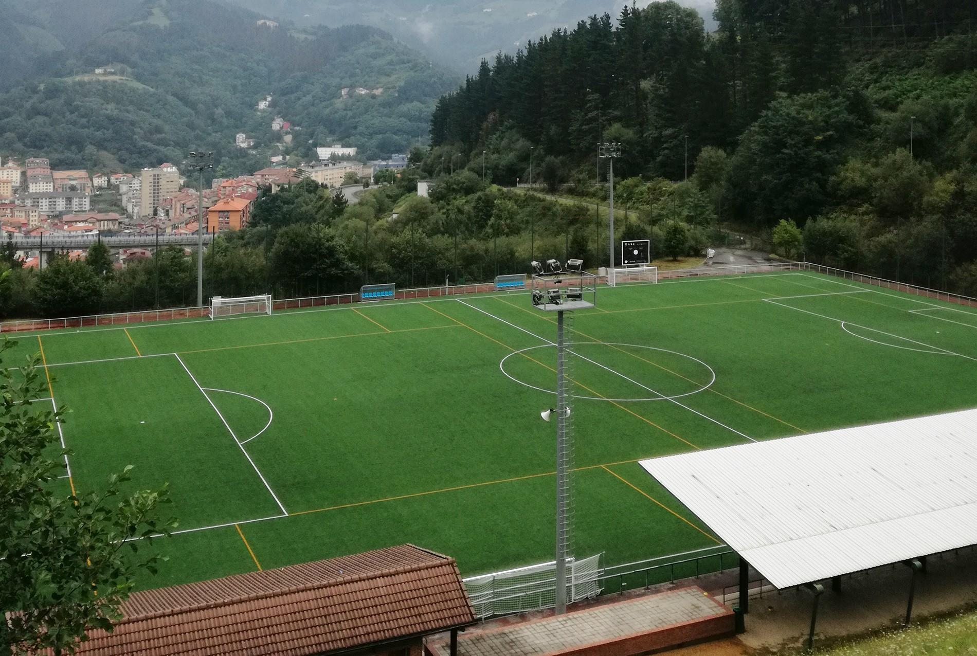 Campo superior del complejo deportivo Unbe
