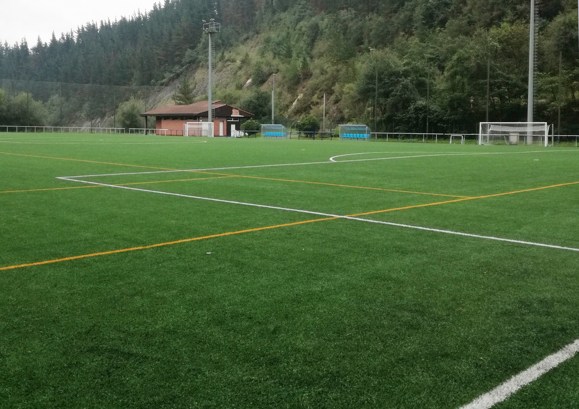 Campo situado en la zona inferior del complejo deportivo.