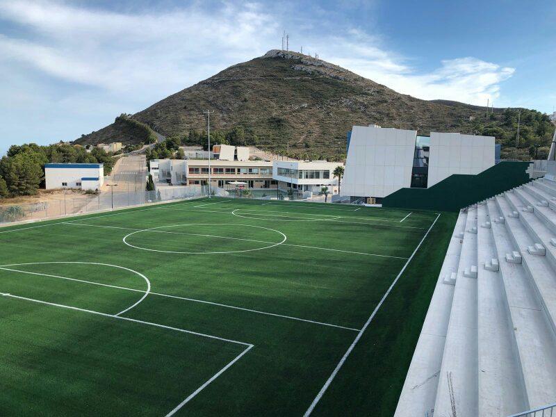 Laude Lady Elizabeth Junior School (El Poble Nou de Benitatxell, Alicante) estrena este curso un nuevo campo de fútbol con césped Mondo.
