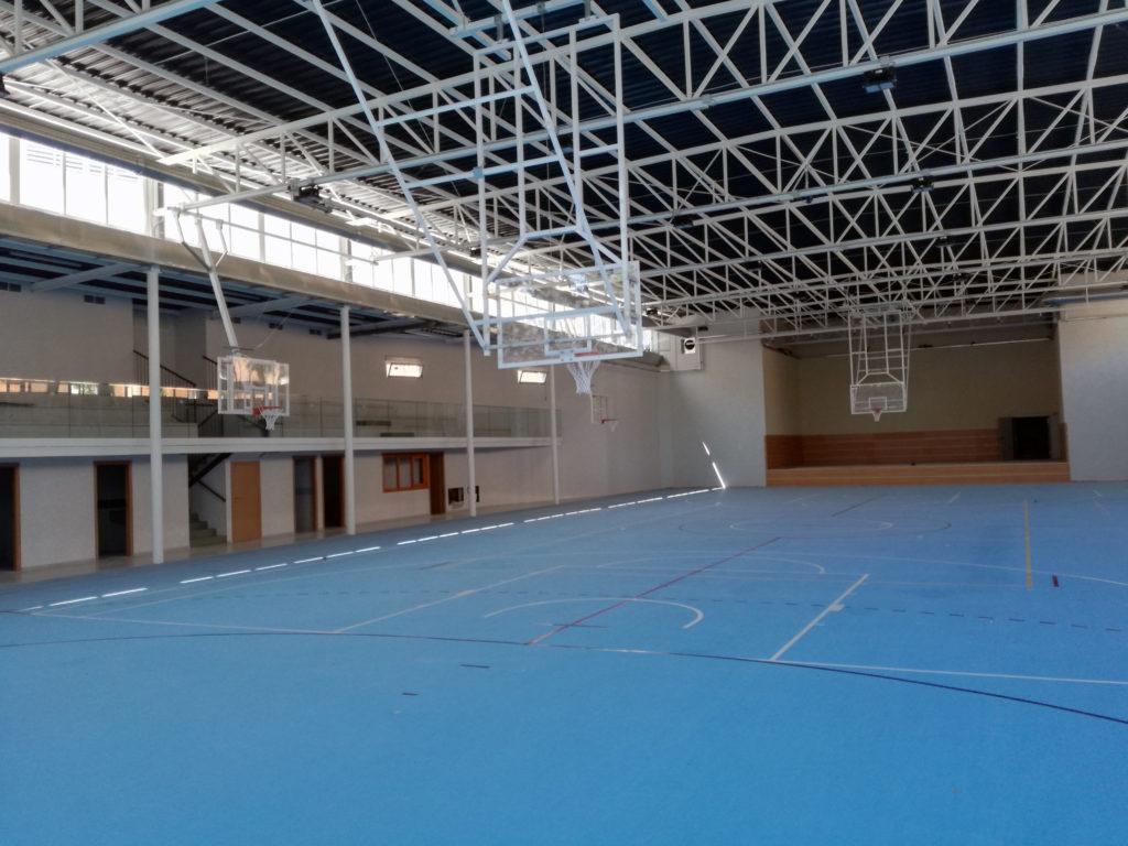 Pabellón del colegio Santa Cruz de Guadalajara, equipado con Mondoflex 2,5 y subbase Everlay 4,7.