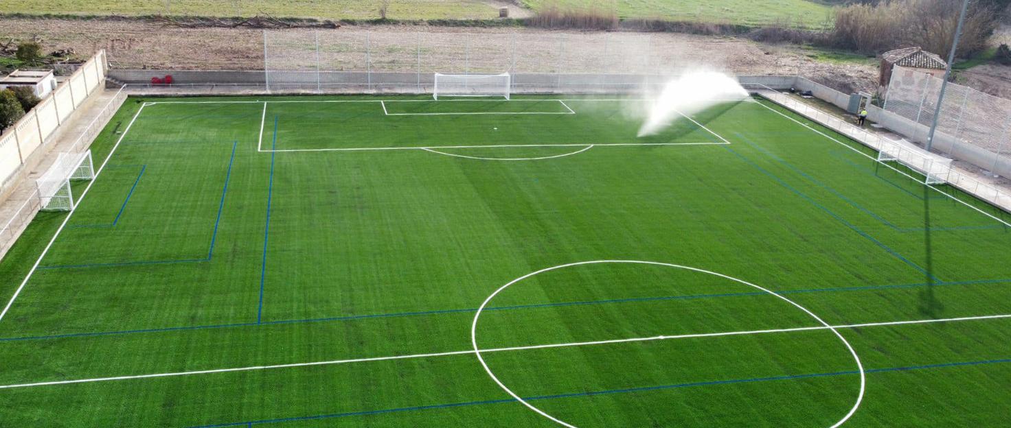 Campo de fútbol de Épila, equipado con césped artificial X3 y equipamientos de Mondo.