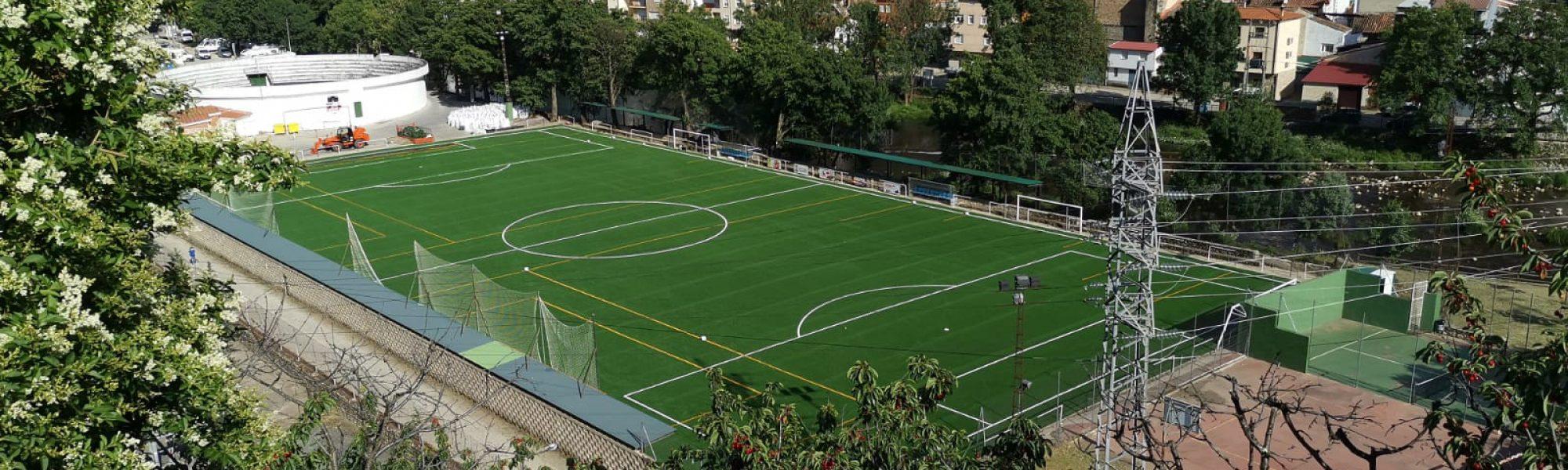 Campo de fútbol Las lanchas de Navaconcejo, equipado con césped Mondo
