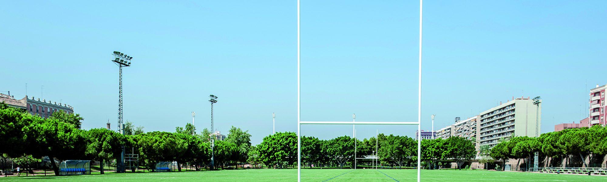 Campo de rugby con césped Mondo en el Tramo V de los Jardines del Turia (Valencia).